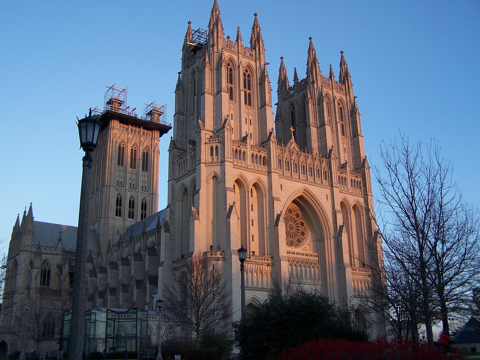 washington-dc-national-cathedral-remarkable-architecture.jpg