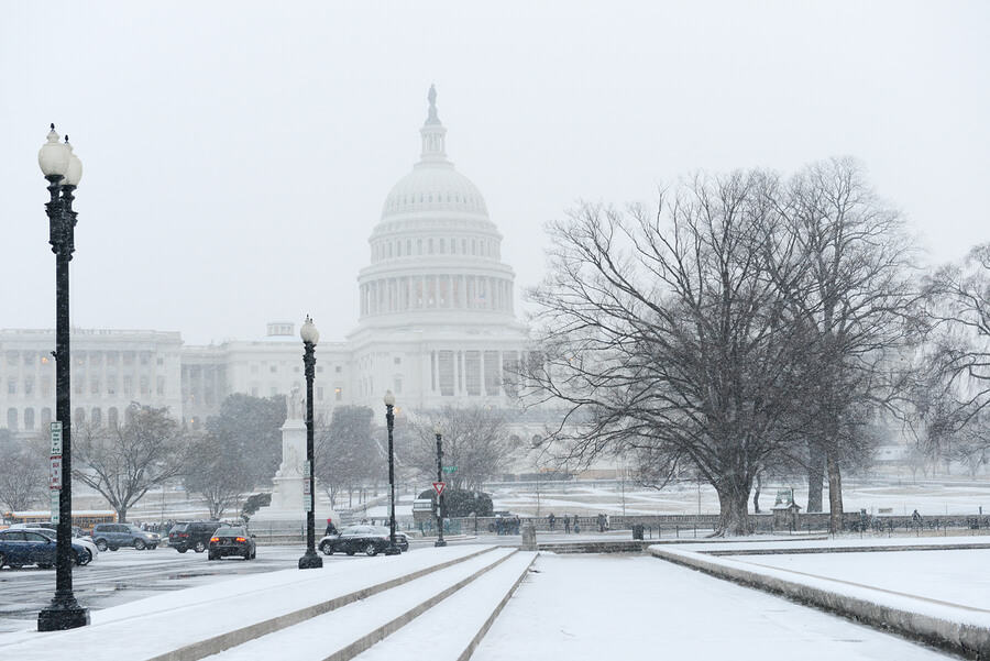 washington-dc-winter-christmas-snow-capitol-building.jpg
