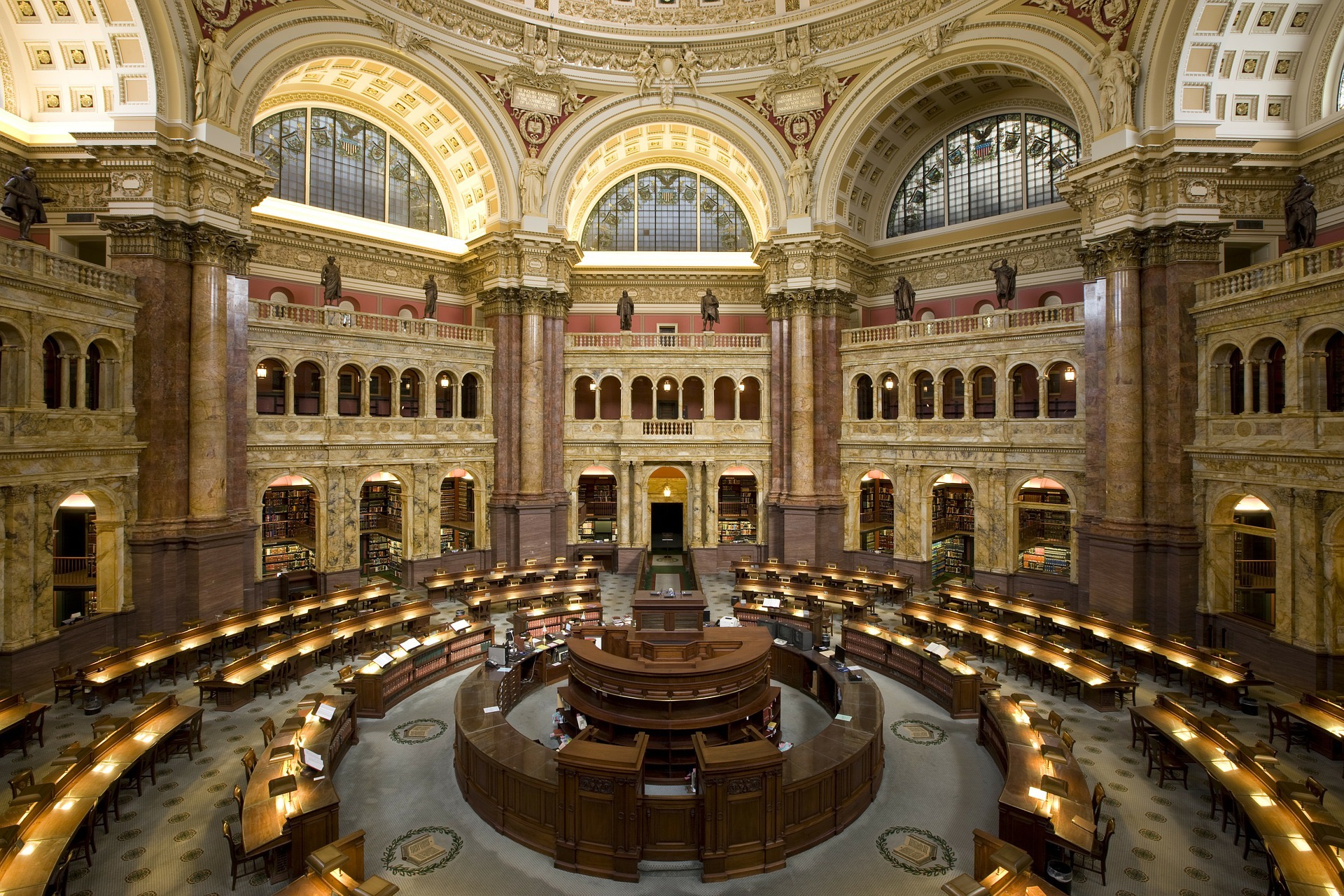 washington-dc-library-of-congress-biggest-in-usa.jpg